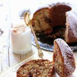 Cake al cocco e cioccolato per una colazione sana
