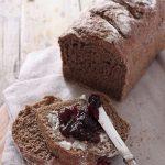 Pane di segale con semi di lino a lievitazione naturale
