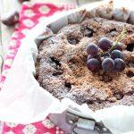 Torta di castagne con uva e amaretti