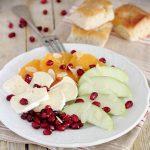 Carpaccio di frutta e brie
