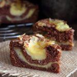 Torta al cacao e mandorle con crema pasticcera