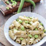 Pesto di baccelli di fave e mandorle
