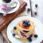 Pancake ai mirtilli allo yogurt greco (senza burro)