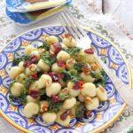 Gnocchi con cime di rapa, alici e pomodori secchi